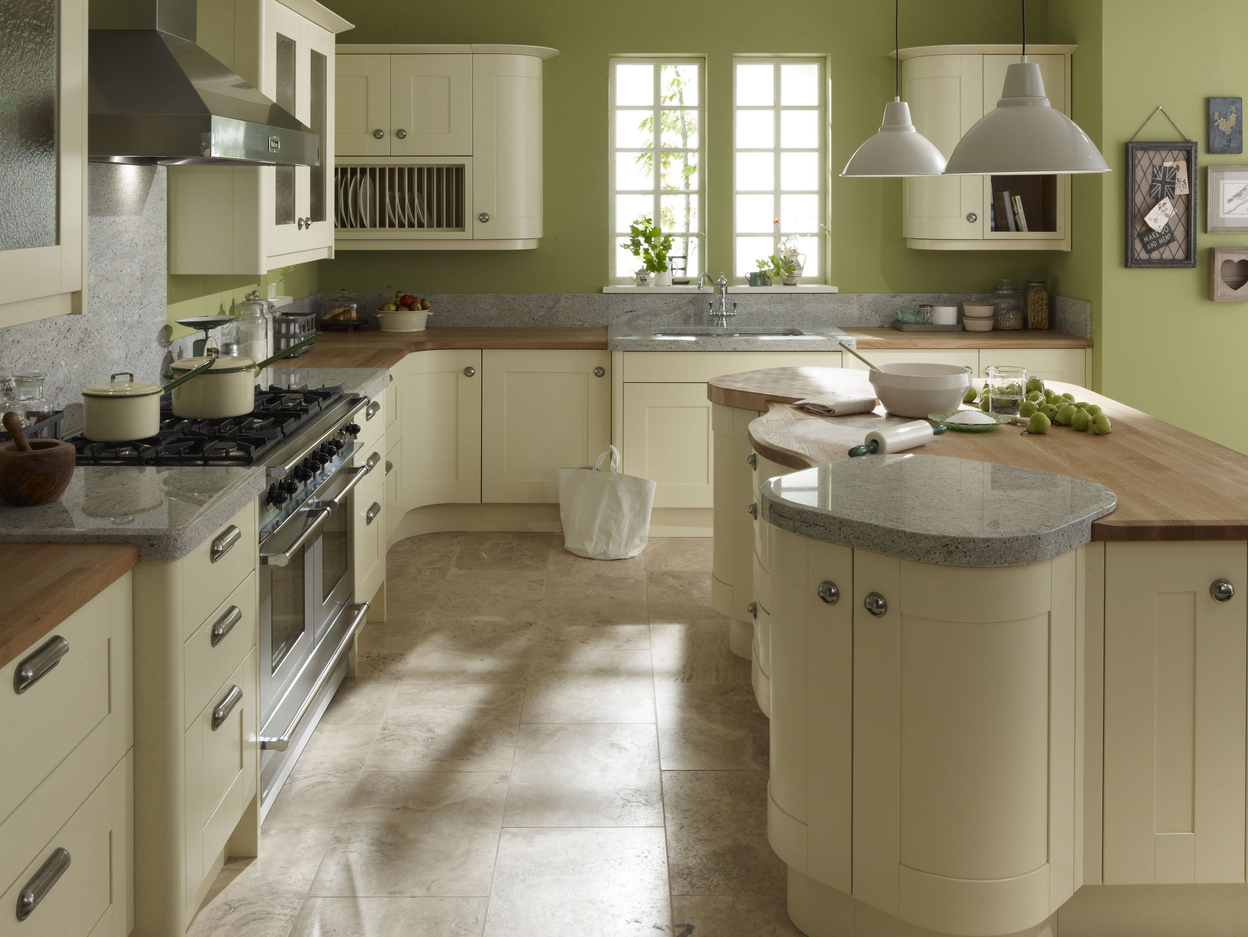 Broadoak ivory from eaton kitchen designs wolverhampton for Oak kitchen ideas designs