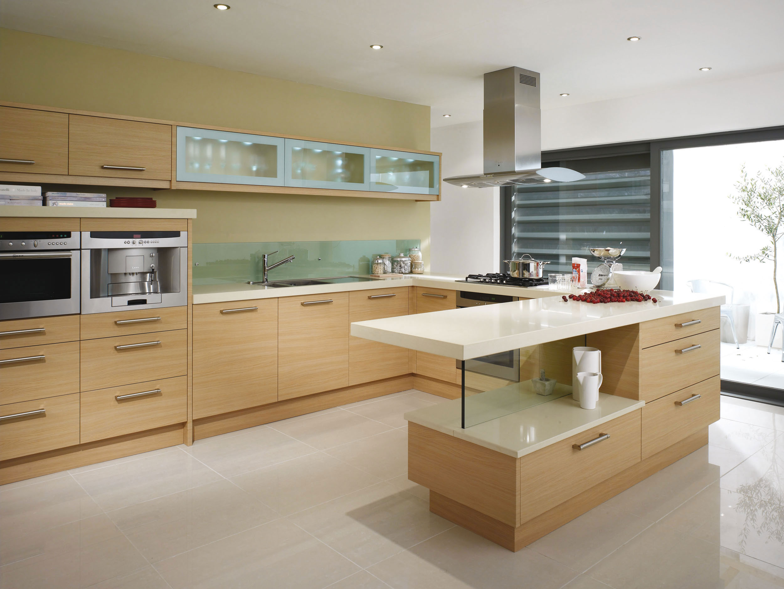 Fenton oak from eaton kitchen designs wolverhampton for Contemporary kitchen style