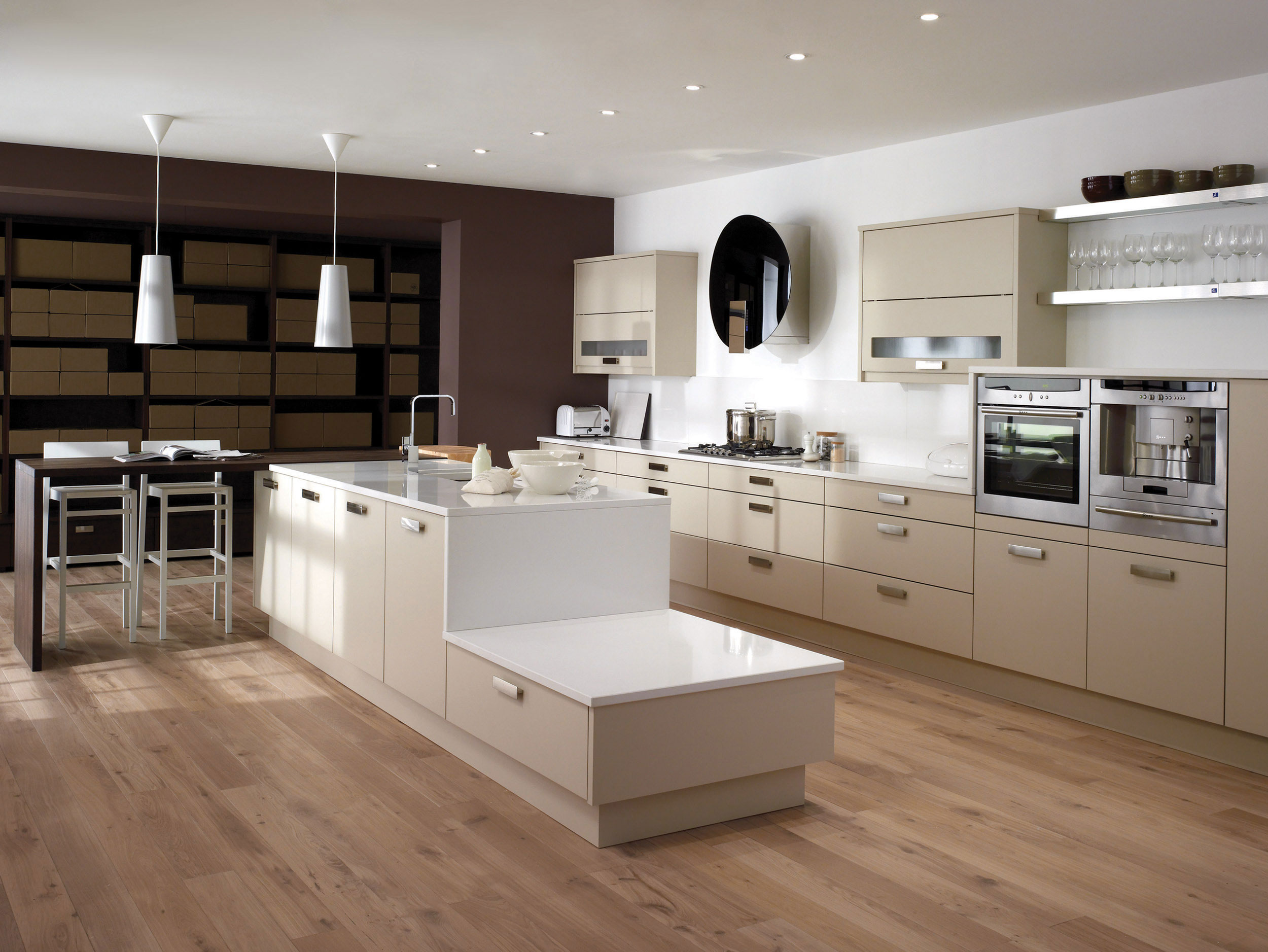Fresco beige from eaton kitchen designs wolverhampton - Decoracion cocinas modernas ...