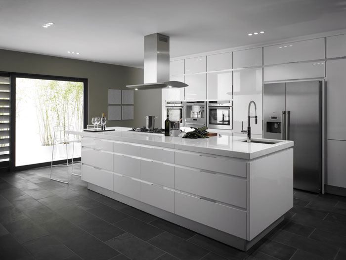 Integrato white from eaton kitchen designs wolverhampton for Cuisine kungsbacka